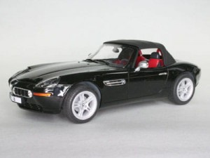 BMW Z8 1:24 (7080) model plastikowy do sklejania